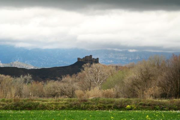 Castillo de Montearagón llegando al Flumen