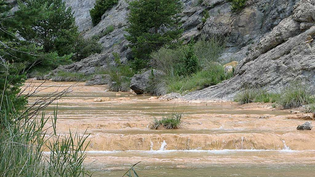 Río Flumen llegando al embalse de Santa María de Belsué