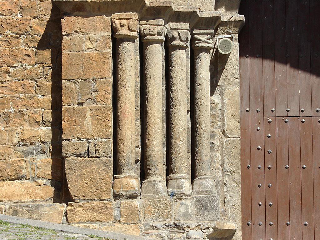 Iglesia de Aínsa