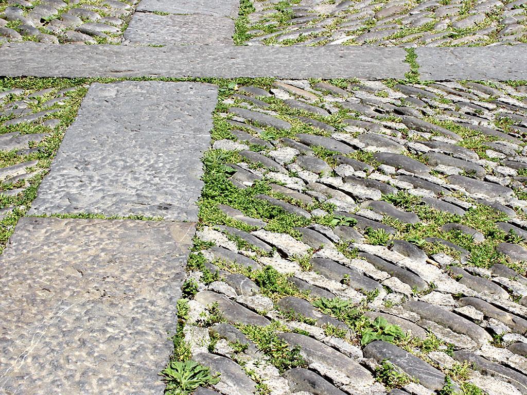 Calle empedrada de Aínsa