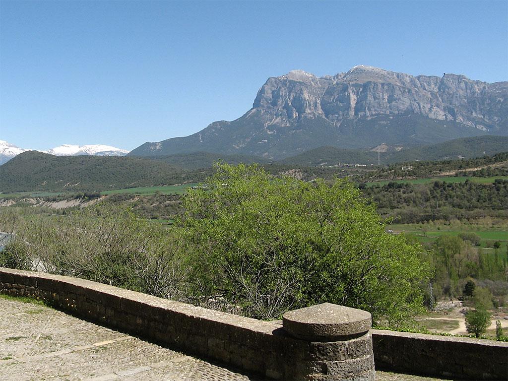 Peña Montañesa desde Aínsa