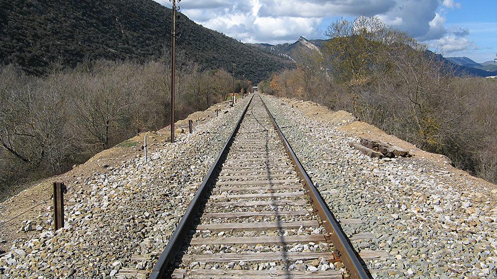 Vía de llegada, o de partida, a La Peña Estación